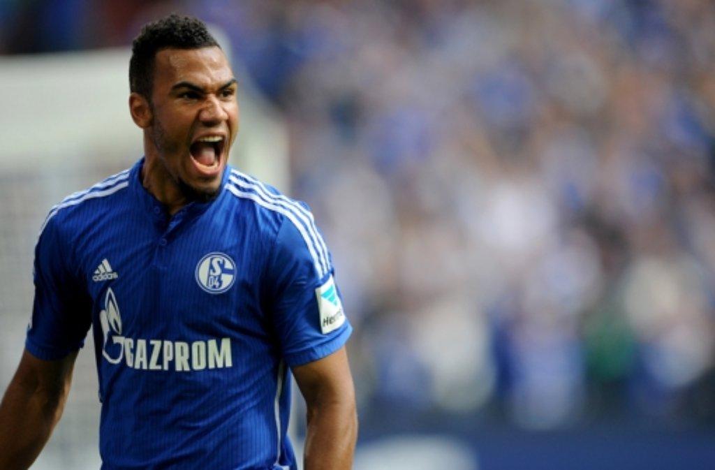 Das mit der Mutter aller Derbys scheint zu stimmen. Es war auf jeden Fall sehr laut. Schalkes Neuzugang Eric Maxim Choupo-Moting nach dem 2:1-Sieg im Revierderby gegen Dortmund. Foto: dpa