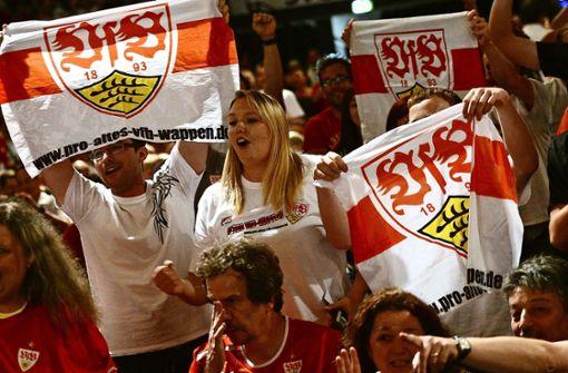 Claus Vogt stellt sich den Fragen der VfB-Fans