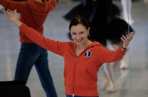 Die Ballettdirektorin sagt leise Servus