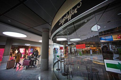 Warten mit Würde am Stuttgarter Flughafen