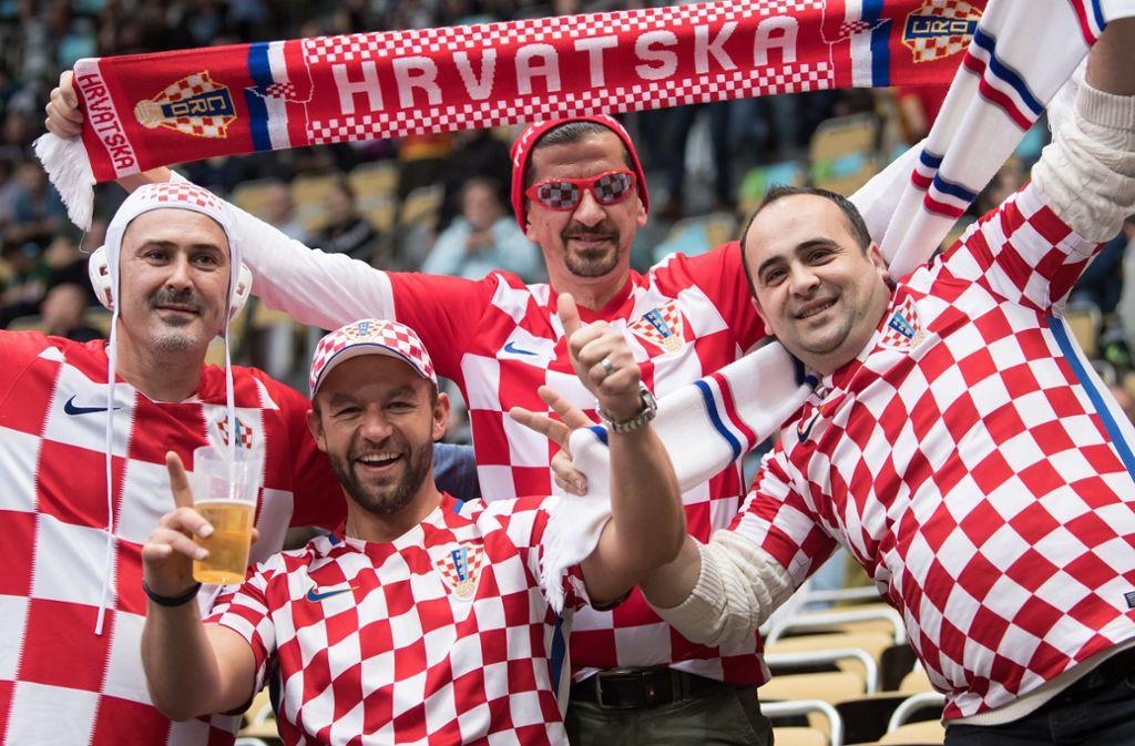Die kroatischen Sportfans gelten als sangesfreudig. Foto: Sven Hoppe/dpa