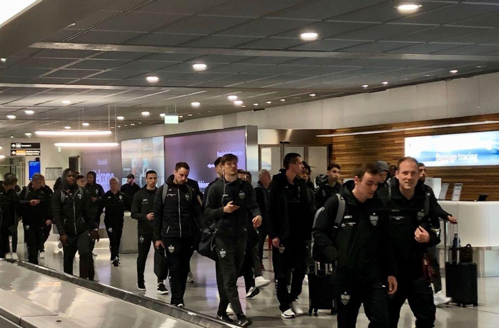 Das Team des VfB Stuttgart ist wieder in der Heimat angekommen. Foto: Christian Pavlic