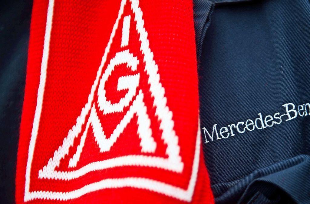 """Bei Mercedes in Untertürkheim muss  die IG Metall sechs Sitze im Betriebsrat  an das """"Zentrum Automobil"""" abgeben. Foto: dpa/Daniel Naupold"""