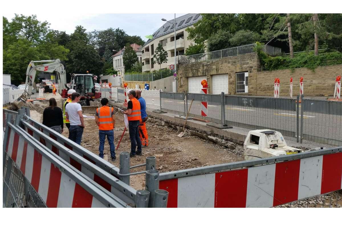 Die Bauarbeiten an der Kreuzung Lenzalde / Robert-Boschstraße, durch die die Diskussion über den Radstreifen ausgelöst wurde, haben begonnen. Foto: Eva Funke