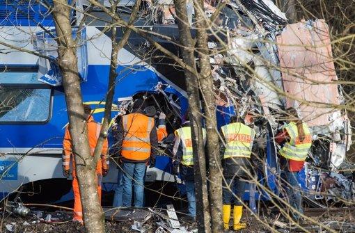 Elf Tote und 85 verletzte hat das Zugunglück von Bad Aibling gefordert. Foto: dpa