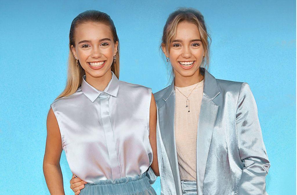 Im März 2019 trugen die Zwillinge Lisa und Lena noch lange Haare, damit ist nun Schluss. Foto: AFP/CHRIS DELMAS