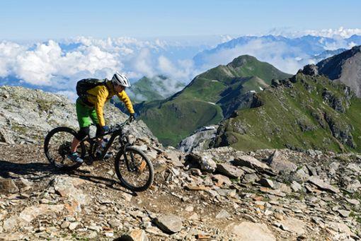 """Dem Bike-Himmel ganz nah im """"Bike Kingdom in Graubünden in der Schweiz."""