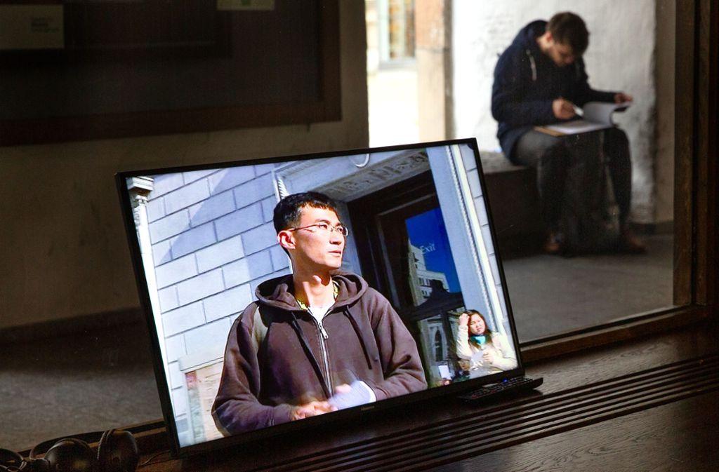 Kunstaktionen  im Videoformat bilden einen Schwerpunkt der Ausstellung. Foto: Ines Rudel Foto: