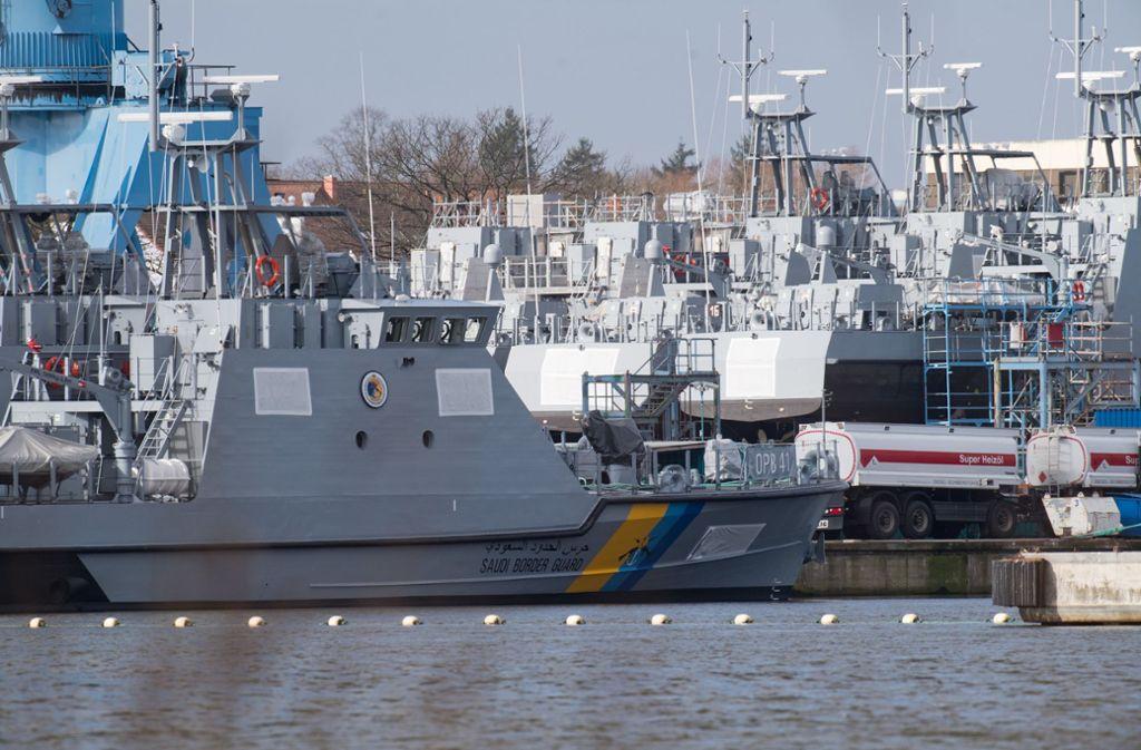 Küstenschutzboote für Saudi-Arabien liegen auf dem Werftgelände in Wolgast. Die von dem Exportstopp betroffene Peene-Werft kann die für Saudi-Arabien bestimmten Patrouillenboote weiterhin nicht ausliefern. Foto: dpa