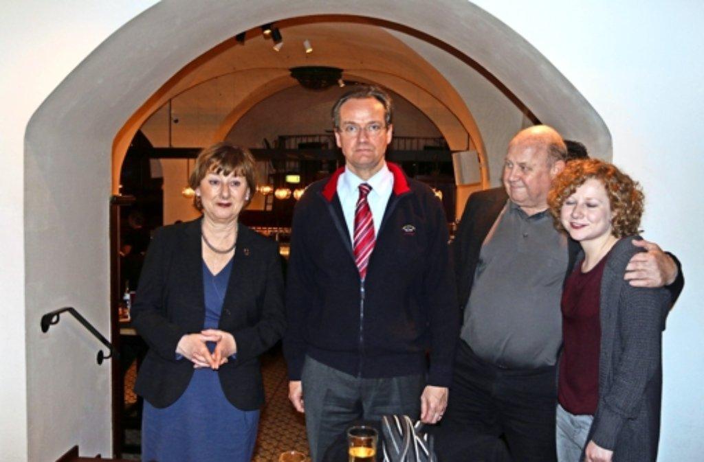 Der CDU-Kreischef Gunther Krichbaum (Mitte) bei der Wahlparty. Foto: Andreas Gorr
