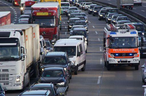 Verkehrschaos nach zwei Auffahrunfällen