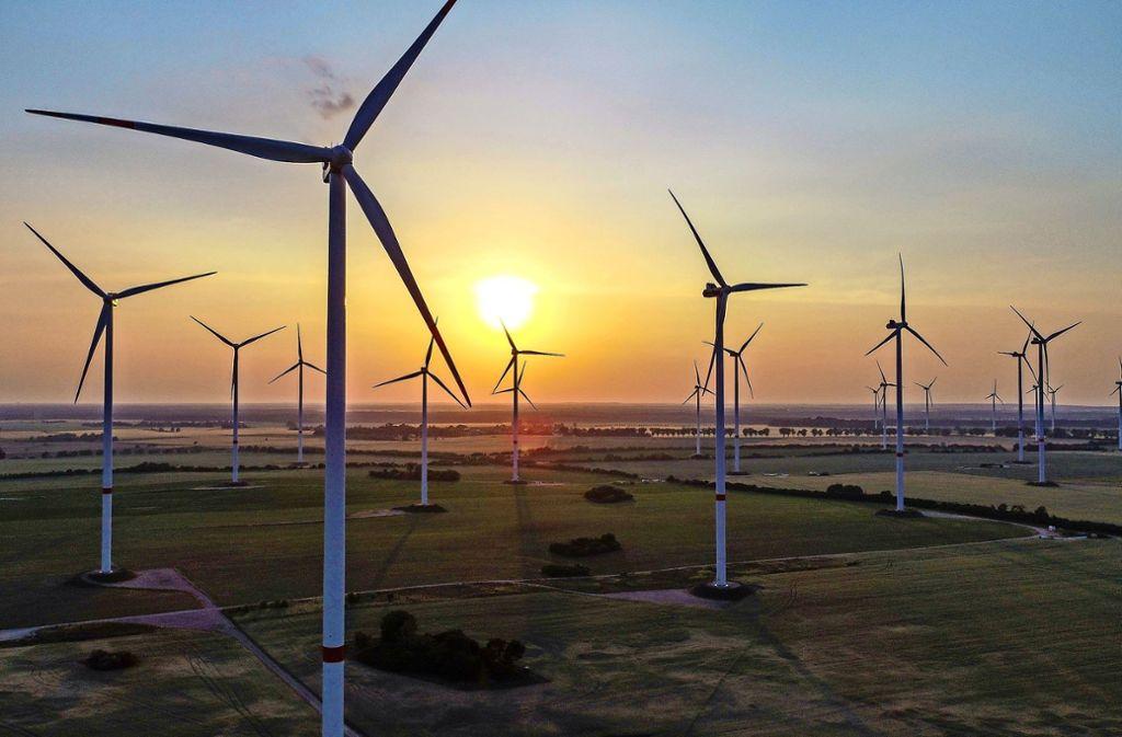 Im Odervorland rotieren bereits etliche Windräder. Unweit von Baiereck sind dagegen  nur zwei Windräder geplant. Das sind den Nassachtälern genau zwei zu viel. Foto: dpa