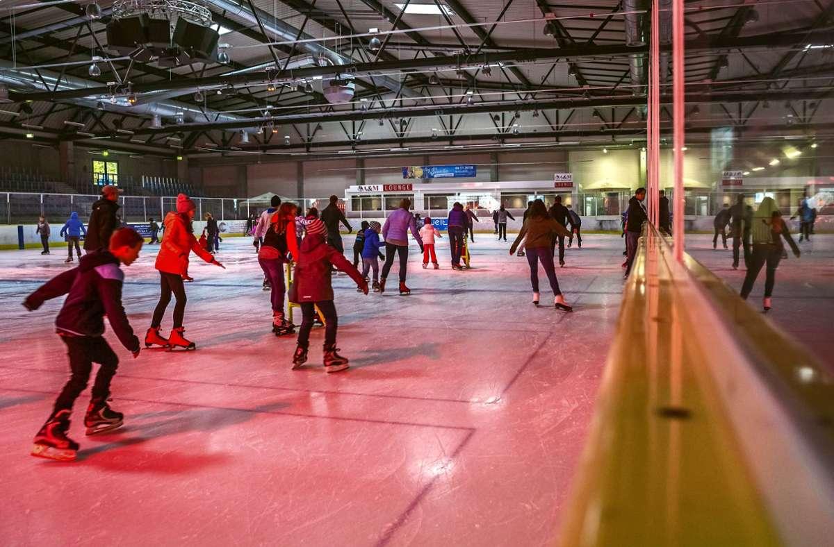 130000 Besucher pro Saison – In der Eiswelt Stuttgart ist oft viel los. Foto: Lg/Rettig