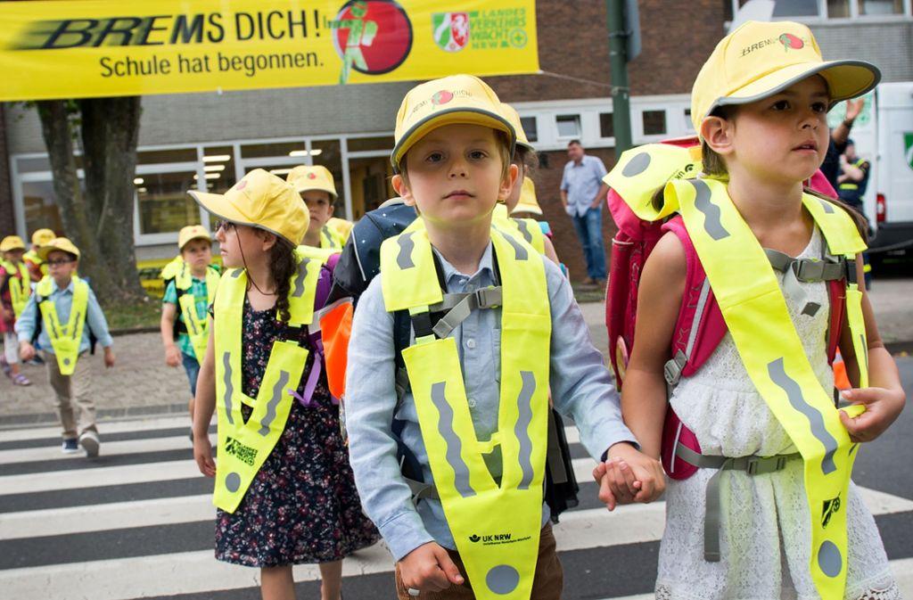 Wann ist ein Kind schulreif? Das sollen Eltern von im Sommer geborenen Kindern innerhalb eines zeitlichen Korridors bald selbst entscheiden können. Foto: picture alliance/dpa/Rainer Jensen