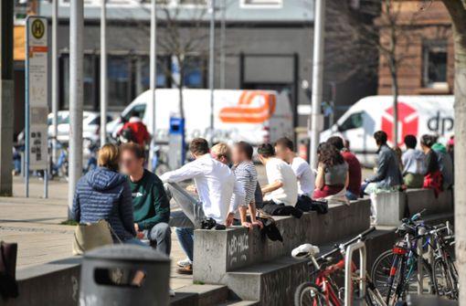 Hunderte auf dem Marienplatz –  Polizei richtet Appell an die Besucher