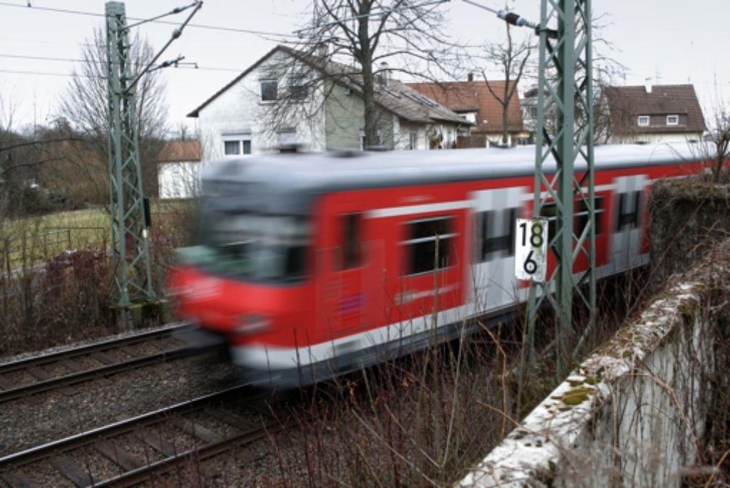 Die   Planung  auf den Fildern sieht einen Mischbetrieb von S-Bahnen und Fernzügen  vor Foto: Achim Zweygarth