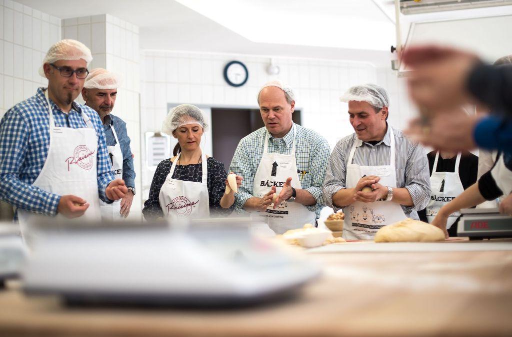 Osterbäckerei in der Schulküche des Bäcker-Innungsverbandes unweit des Stuttgarter Wilhelmsplatzes. Foto: Lichtgut/Max Kovalenko