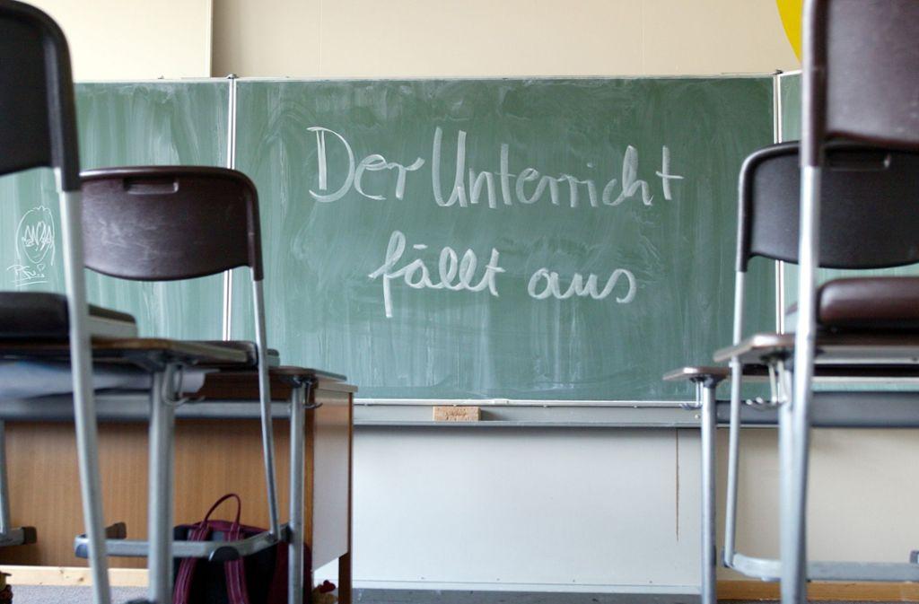 Häufig fallen Schulstunden aus. Wie oft, weiß man nicht so genau. Foto: photothek