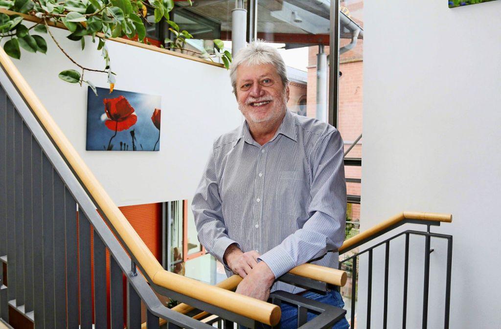 Im Ruhestand werden Anton Dekreon seine fünf Enkelkinder, die alle im Ort wohnen, wohl kräftig auf Trab halten. Foto: Andreas Gorr