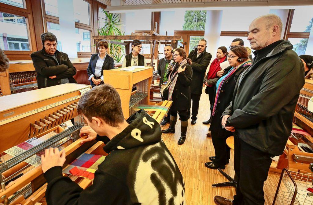 Im Dezember informierten sich die  Gäste aus Tunesien an der Gottlieb- Daimler-Schule über das deutsche Berufsschulwesen. Foto: factum/Granville