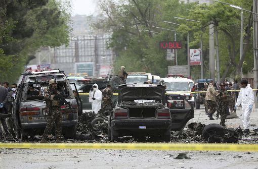 Tote Zivilisten bei Anschlag auf Nato-Konvoi