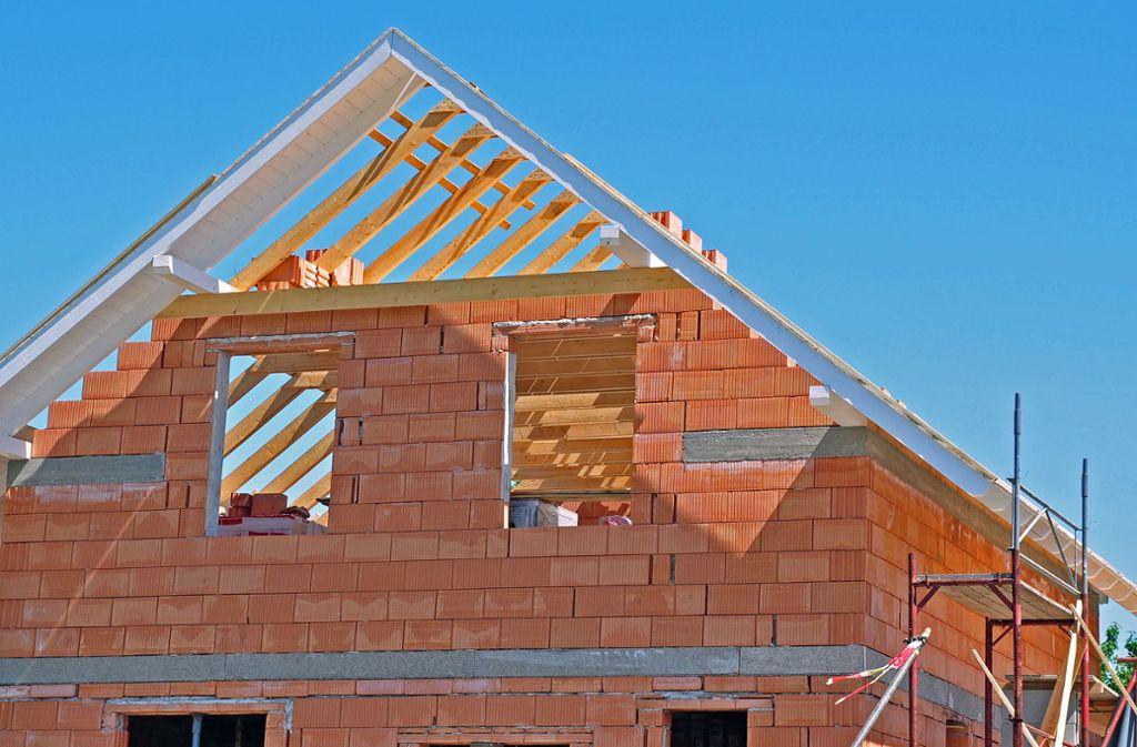 Im Sommer wurden erneut weniger Baugenehmigungen erteilt : Die Genehmigungen gelten sowohl für neue Gebäude als auch für Baumaßnahmen an bestehenden Häusern. Foto: photo 5000 - stock.adobe.com