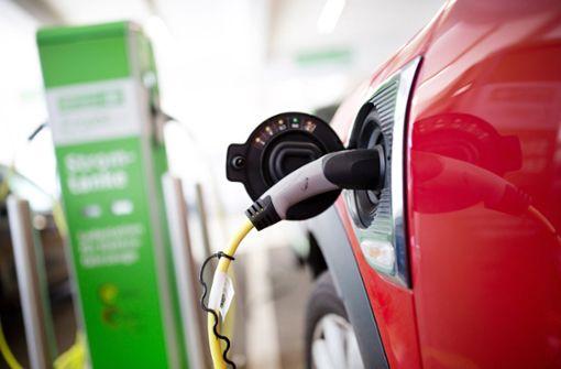 Elektro-Auto-Ziel der Bundesregierung unrealistisch