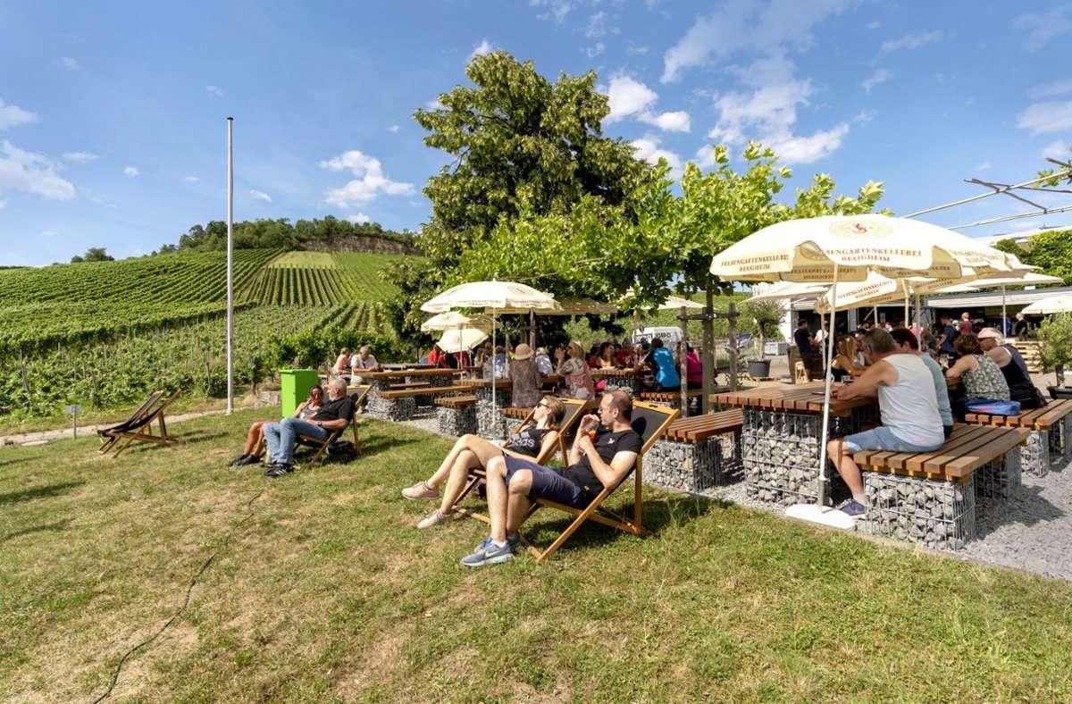Die Sonne und den Sommer kann man bestens in einem Biergarten genießen. Foto: factum/Andreas Weise