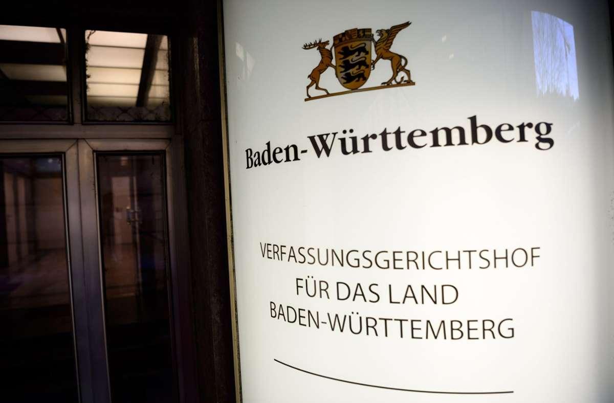 Sechs Posten im Verfassungsgerichtshof mussten insgesamt neu besetzt werden. Foto: dpa/Sina Schuldt