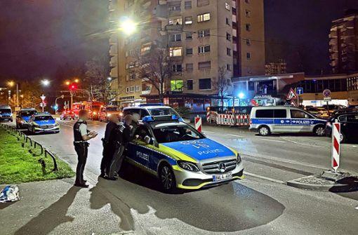 Sünder verbarrikadieren sich  in Shisha-Bar vor Polizei