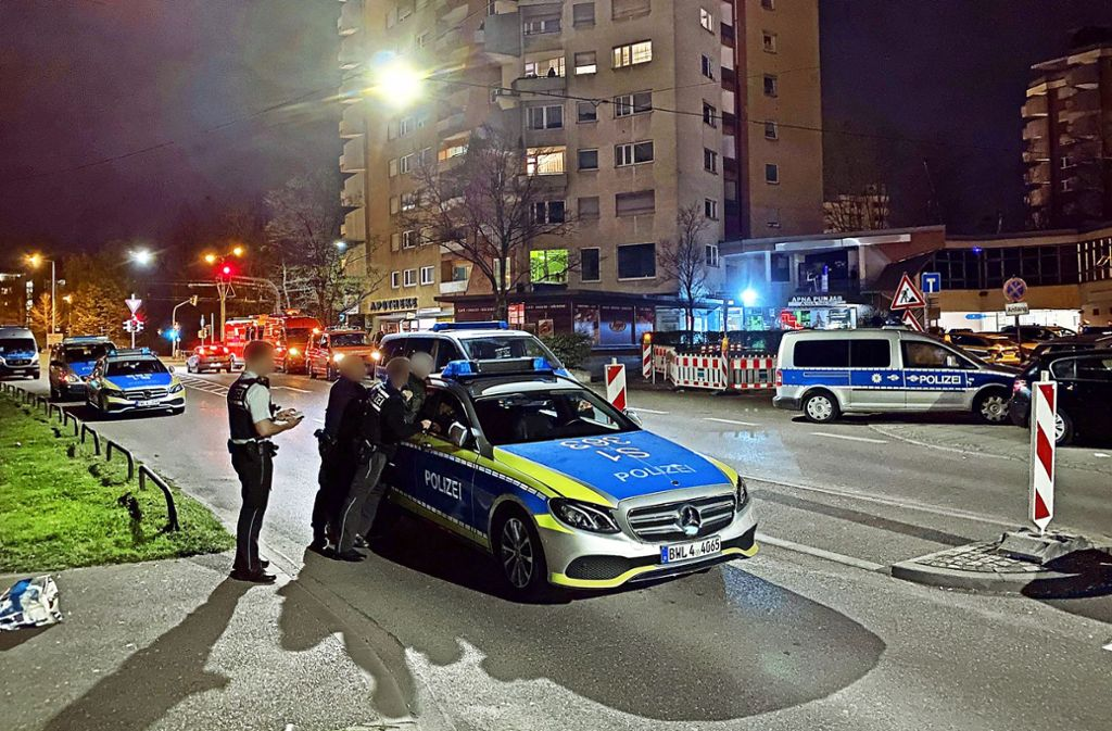 Geheime Coronaparty in einer  Shisha-Bar: Der  Polizeieinsatz in der Schozacher Straße in Rot lässt 26 Teilnehmer auffliegen. Foto: 7aktuell.de/Alexander Hald