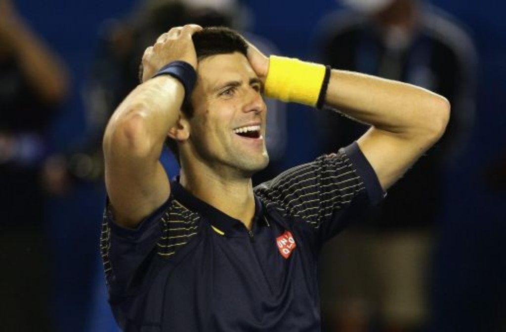 Er kann es selbst kaum fassen: Novak Djokovic gelingt dritte Melbourne-Triumph in Serie - hier die schönsten Fotos der Australian Open:  Foto: dpa