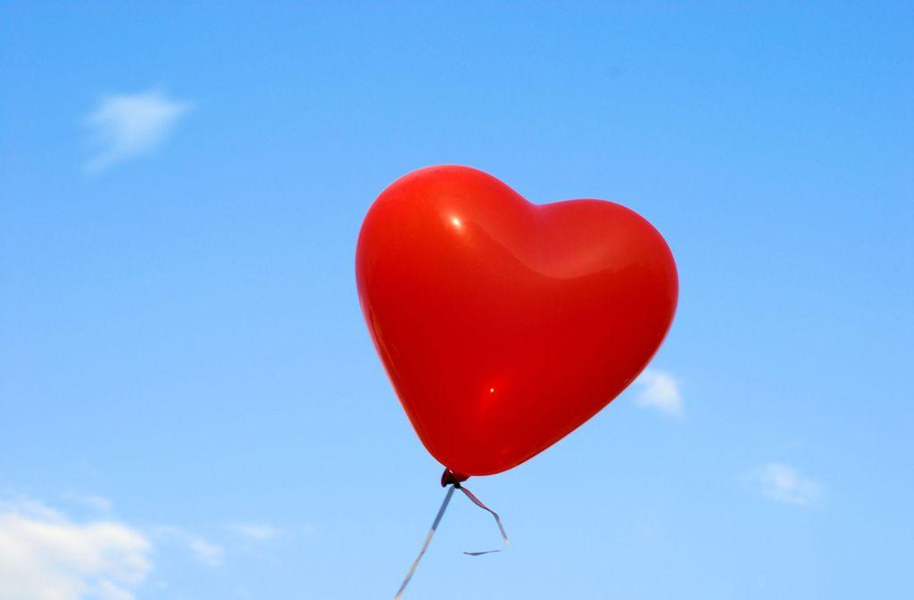 Zum 750. Geburtstag haben die Deizisauer Kinder auch Luftballons in den Himmel steigen lassen. Foto: 5556825