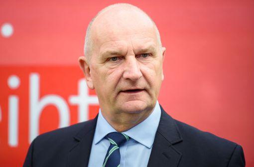 Woidke schlägt SPD-CDU-Grünen-Koalition  vor