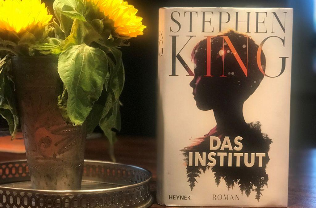 """""""Das Institut"""" heißt Stephen Kings neues Buch, das sich dem Paranormalen widmet. Foto: Lukas Jenkner"""