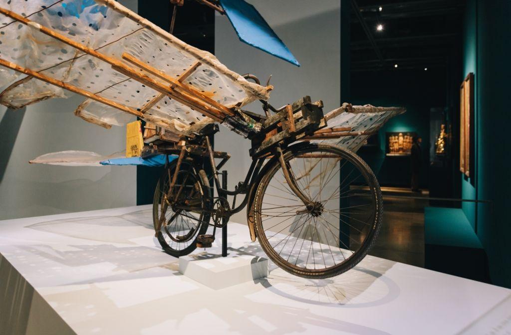 Auch dieses Hubschrauberflugfahrrad von Gustav Mesmer ist in der Ausstellung zu sehen. Foto: Lichtgut/Verena Ecker