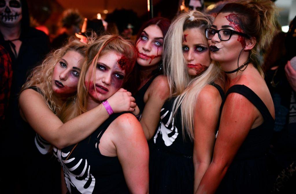 An Halloween sind ja bekanntlich die Untoten los – da macht Stuttgart auch keine Ausnahme, wie hier bei der Halloween-Party im SI-Centrum. Foto: 7aktuell.de/Gabriel Spahn
