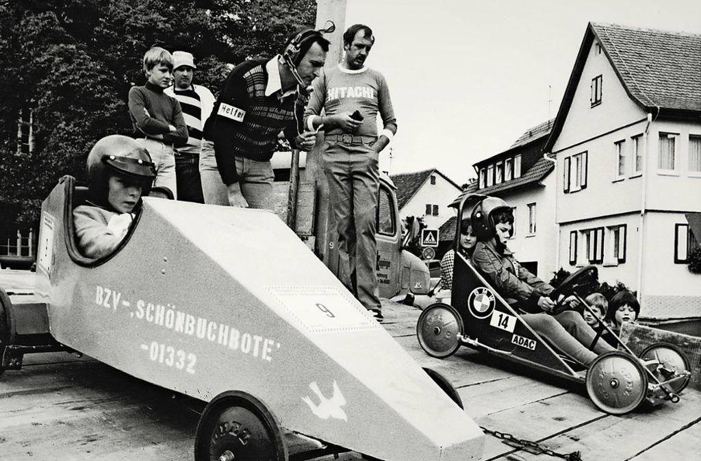 Die selbst konstruierten Seifenkisten unterschieden sich damals deutlich voneinander. Foto: Stadtverwaltung Holzgerlingen