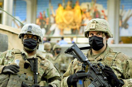 Sprecherin des Weißen Hauses: Nationalgarde ist unterwegs