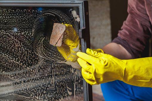 Vorschaubild zum Artikel Kaminscheibe reinigen