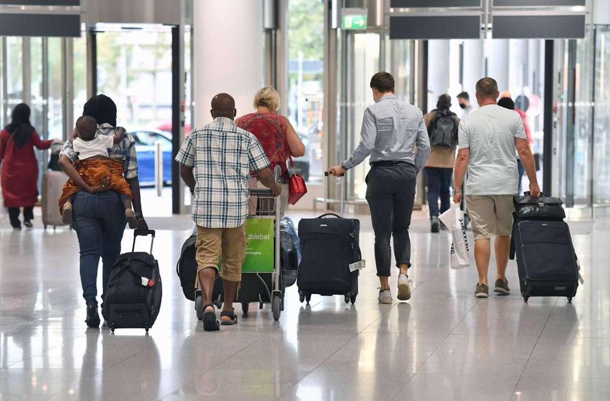 Die Bundesregierung hebt die generelle Reisewarnung für touristische Reisen in Corona-Risikogebiete auf. Foto: imago images/Sven Simon/Frank Hoermann / SVEN SIMON via www.imago-images.de