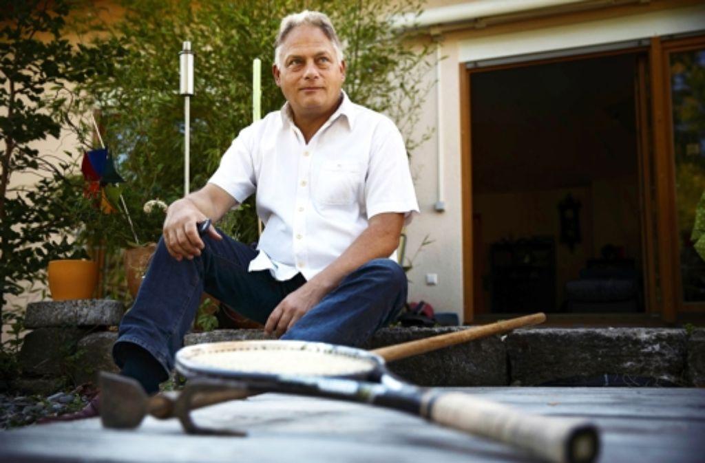Michael Straub auf der Terrasse seines Hauses. Foto: Gottfried Stoppel