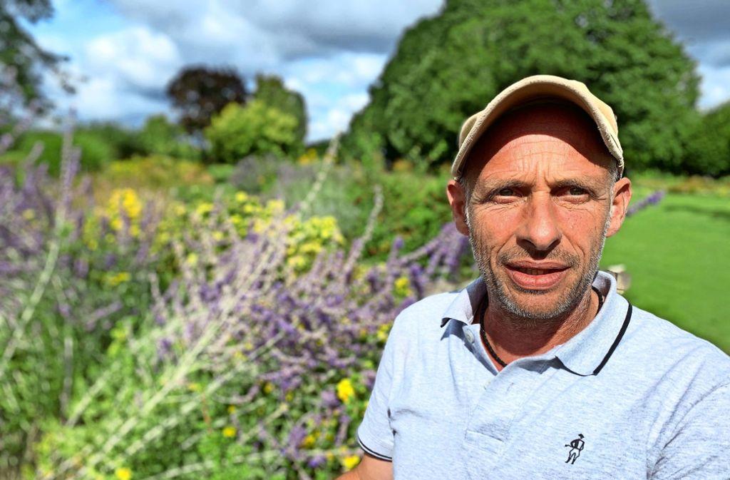 Im Versuchsbetrieb der Staatsschule testet Wolfgang Henle, welche Pflanzen in Gärten harmonieren. Die Ergebnisse gibt er an Gestalter öffentlicher Anlagen weiter. Foto: