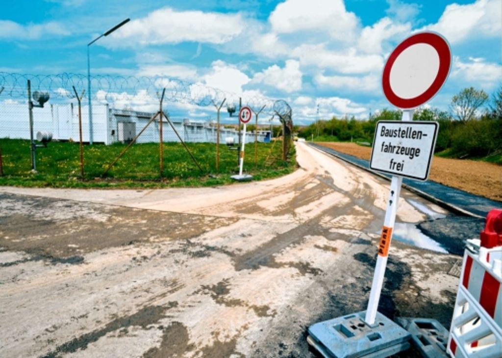 Die Zufahrt zur JVA-Baustelle Foto: Tom Bloch