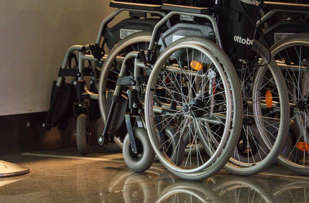 Eigentlich wären die Kinder gar nicht auf den Rollstuhl angewiesen gewesen (Symbolbild). Foto: imago images/Action Pictures/via www.imago-images.de
