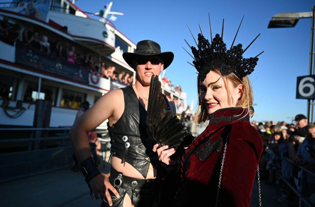 """Auf dem """"Erotikschiff"""" wurde am Samstag gefeiert. Foto: dpa"""
