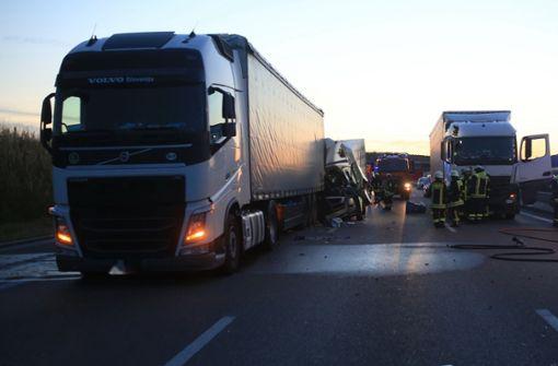 Zwei Unfälle  auf der A8 mit sechs Schwerverletzten
