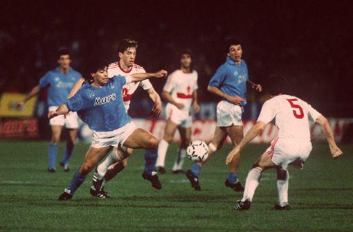Wie beim VfB Stuttgart um Diego Maradona getrauert wird