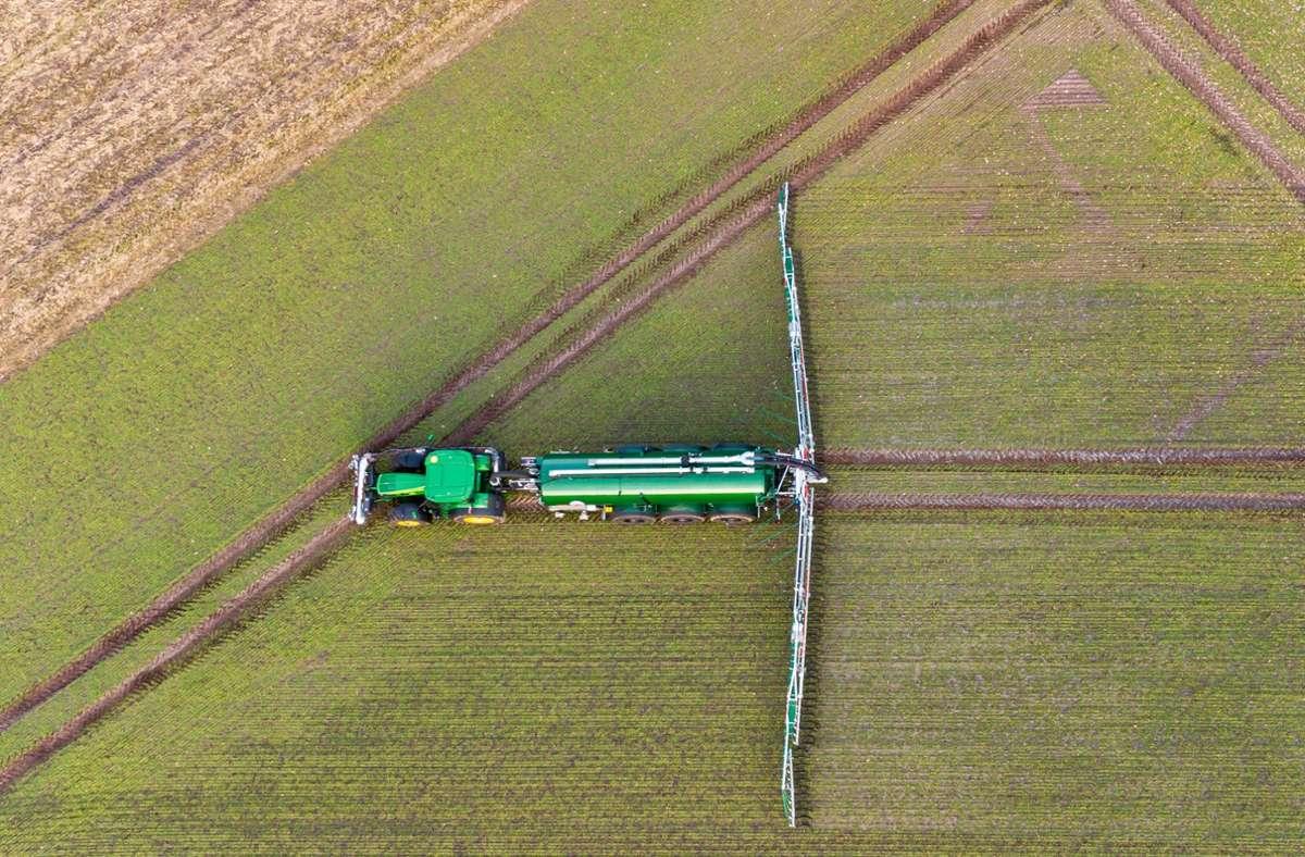 Der Traktor ist ein wichtiges Arbeitsgerät in der Landwirtschaft. Foto: dpa/Philipp Schulze
