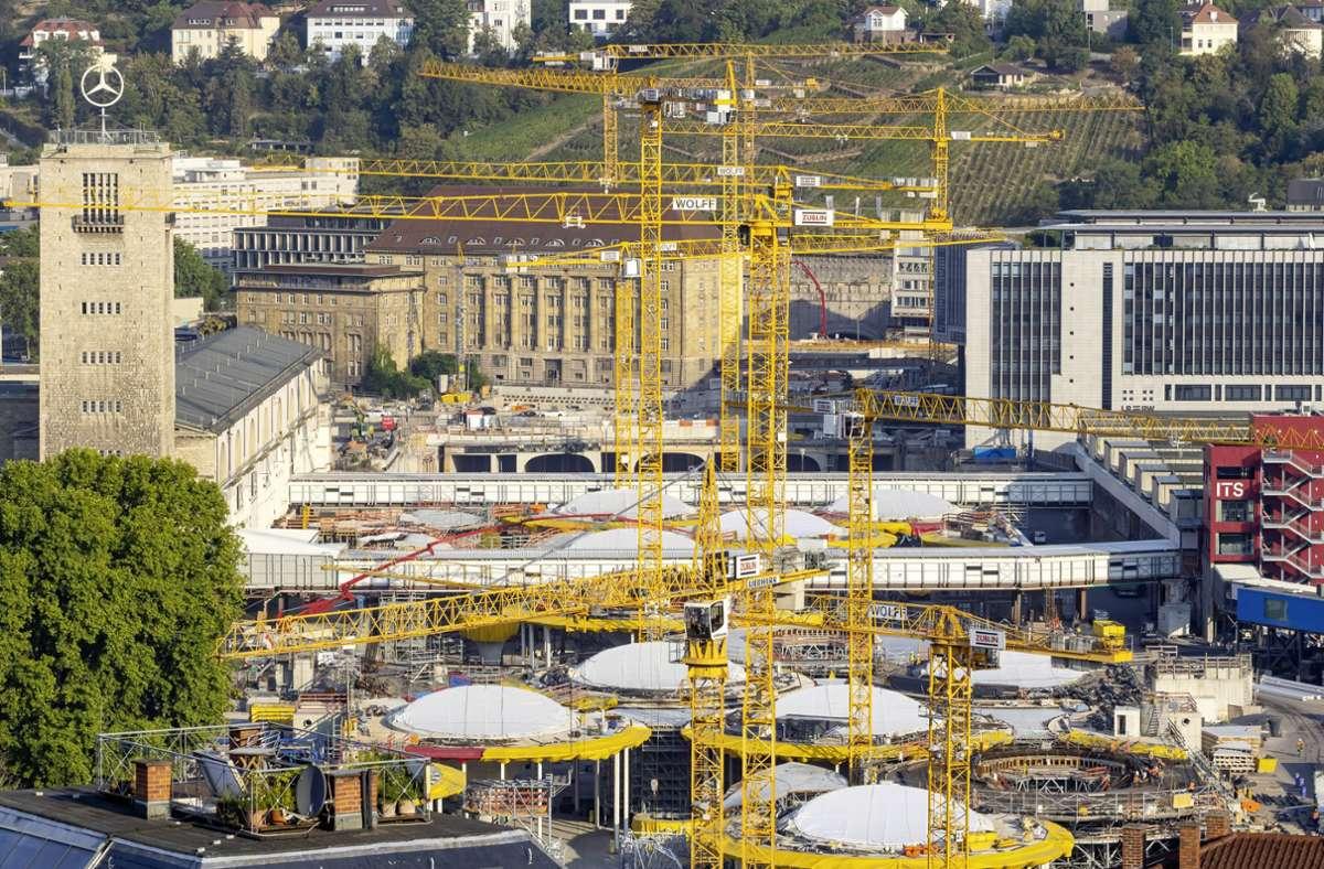 Die Stuttgart-21-Baustelle am Hauptbahnhof Foto: imago images/Arnulf Hettrich